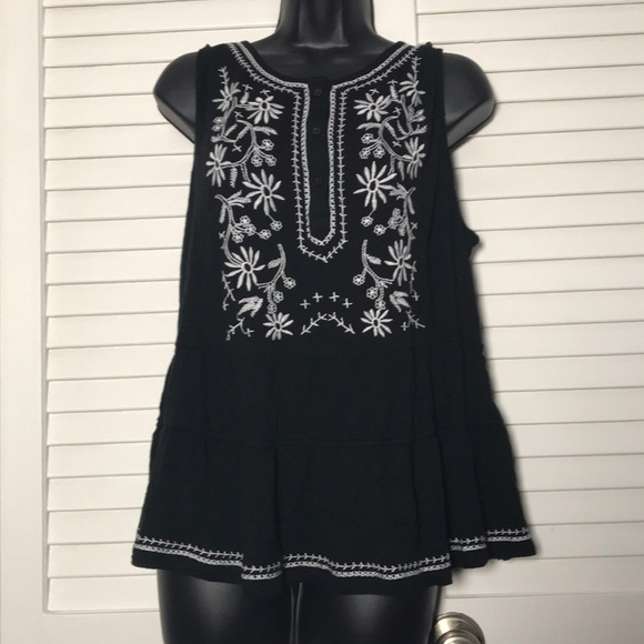 Tops - Embroidered Black and White Top